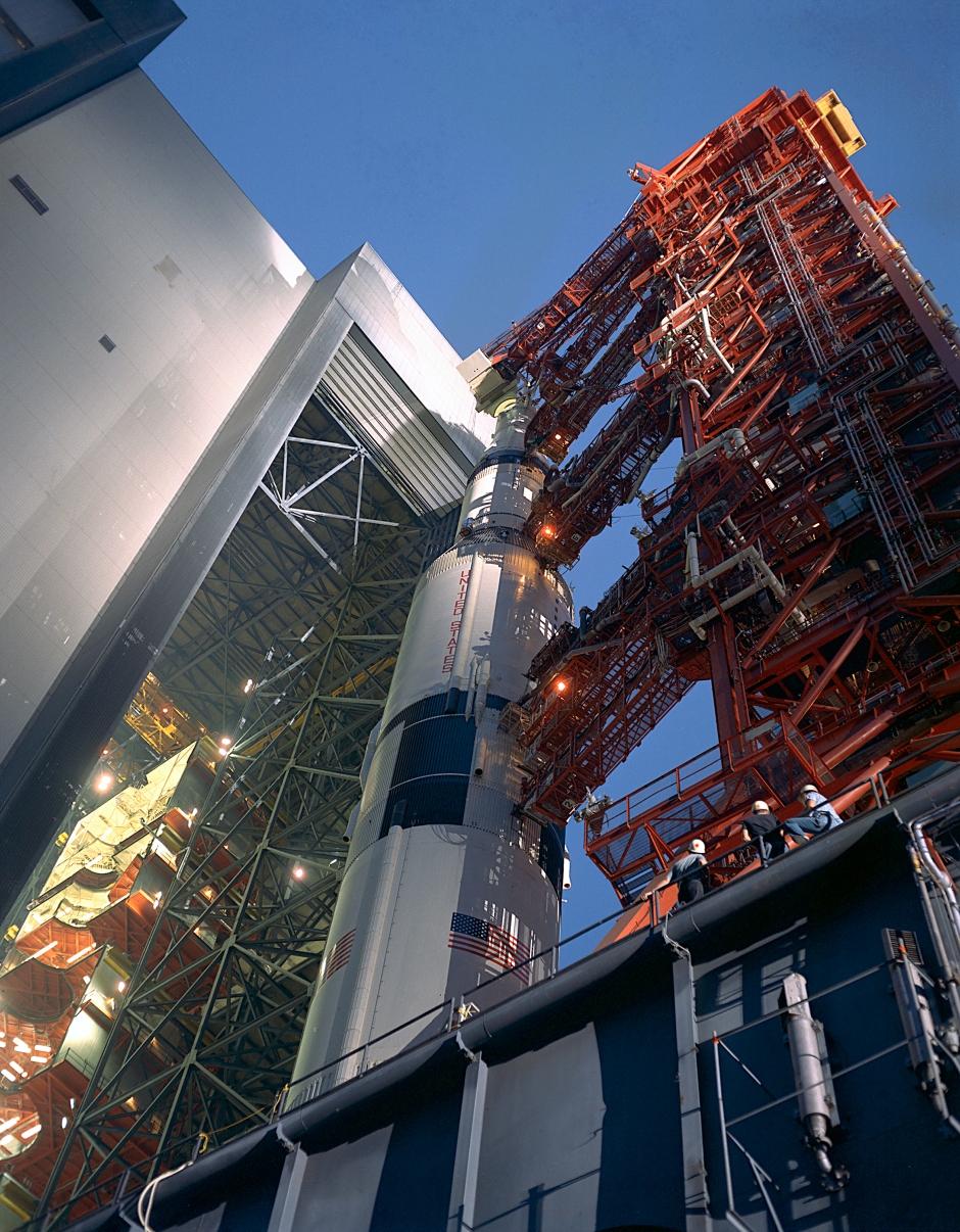 Saturn V just out of VAB, blog photo #4.jpg